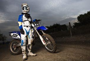 Spodnie motocyklowe - tekstylne czy skórzane?