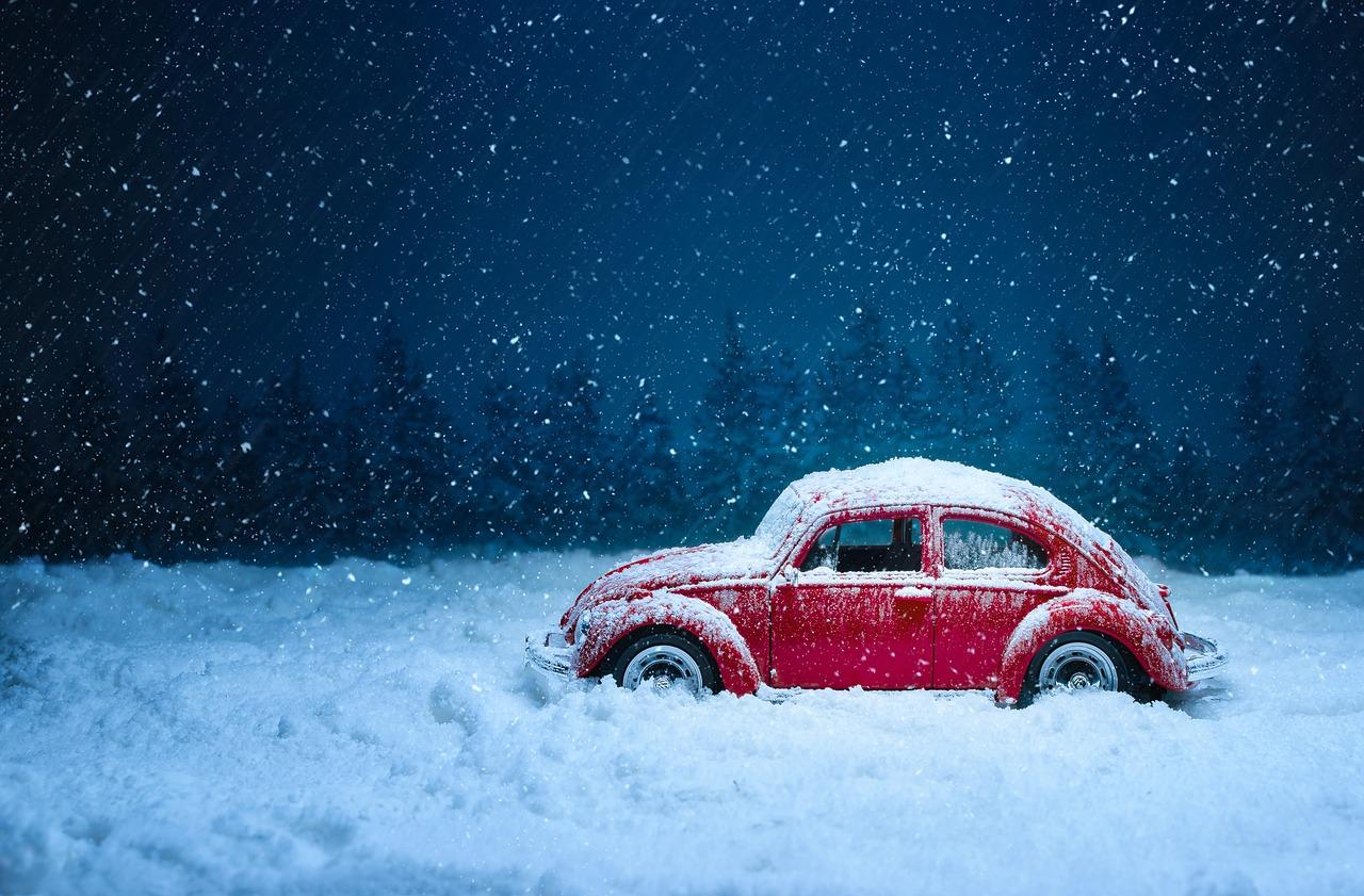 Opony zimowe: obowiązkowe wyposażenie kierowcy